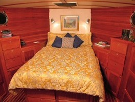 Great Harbour GH 47 master stateroom